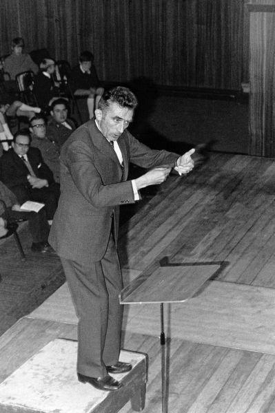 Jean Bruyère dirige
